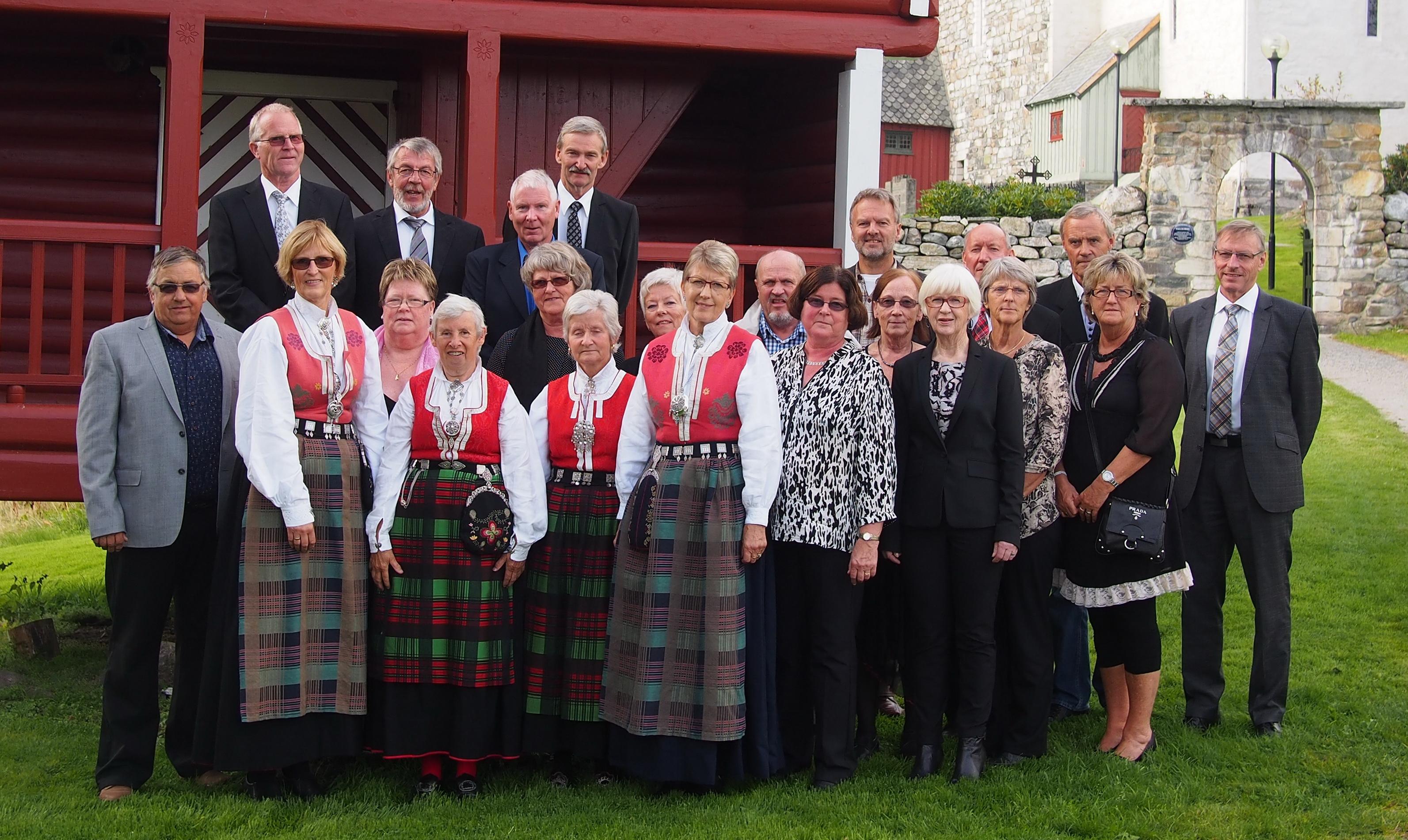 2014-09-14 50-års konfirmante påTingvoll-1